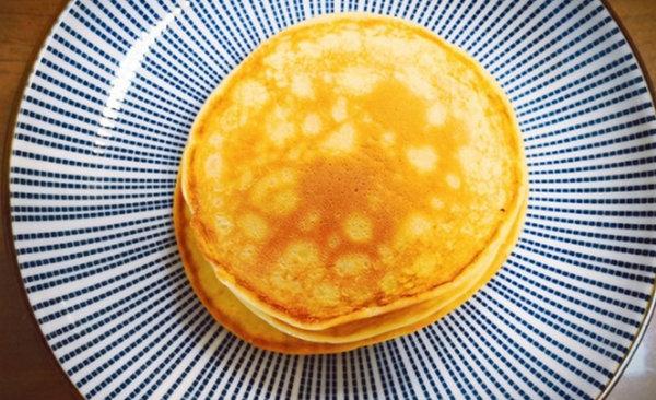 极客美食:Q弹可口,电饼铛版酸奶鸡蛋饼