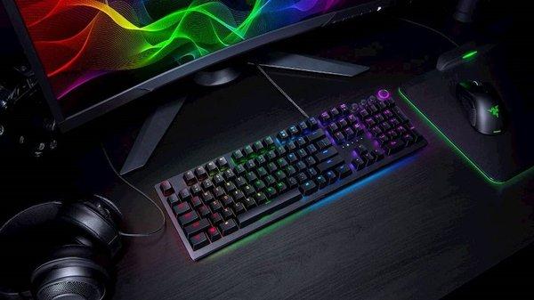 雷蛇发线性光学轴体的Huntsman Elite键盘