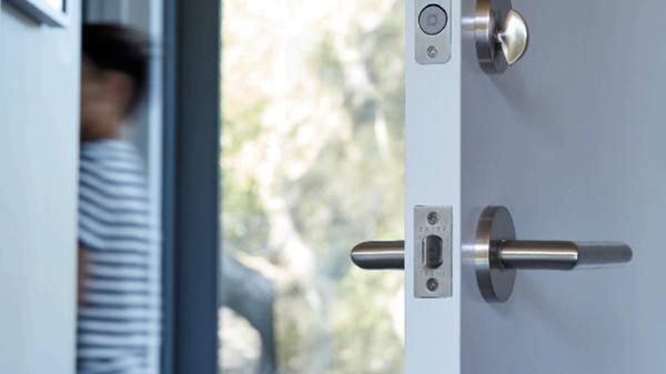 Level Home首款智能门锁发布 不改变整门外观轻松实现门锁的智能化