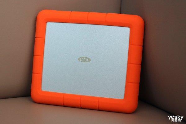 顶配移动素材库 LaCie Rugged RAID Shuttle便携8TB移动硬盘评测