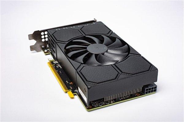 AMD公版RX 5500外观设计与性能首次曝光