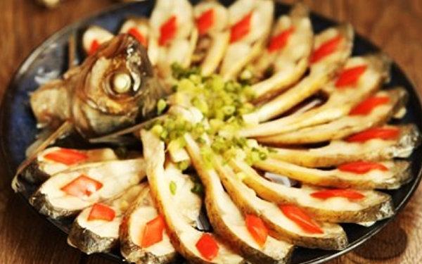 极客美食:年夜饭之1―电蒸箱版清蒸武昌鱼