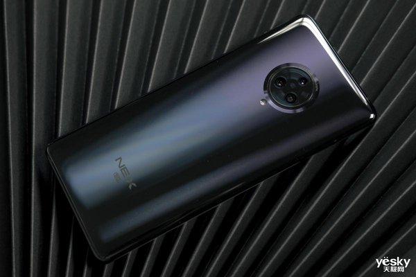 一周机情汇:vivo S5表示手机摄像头也能有设计!