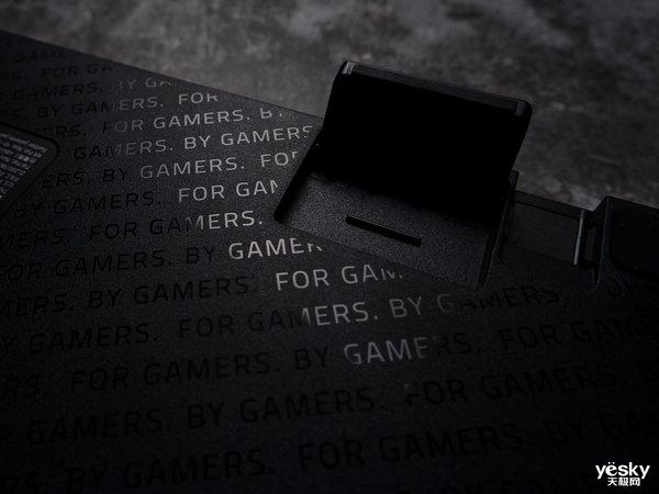BY GAMERS. FOR GAMERS. 雷蛇猎魂光蛛竞技版键盘评测