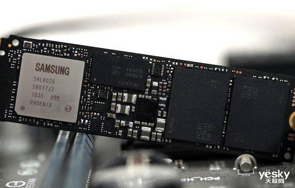 自从有了三星NVMe SSD 970 EVO Plus,腰也不疼了腿也不酸了……