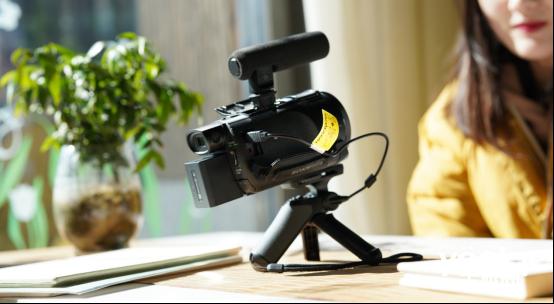 转型大V的必备利器 索尼AX60摄像机你的优质之选