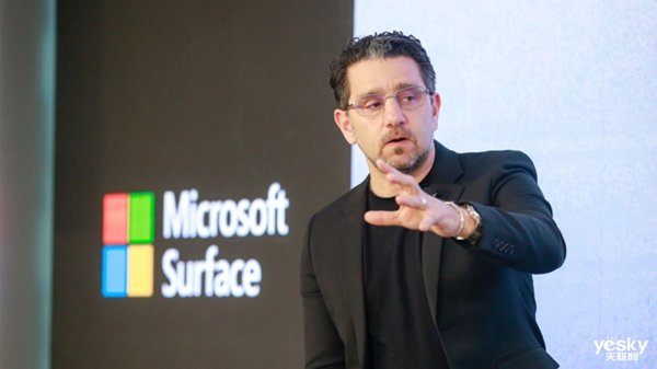 """Surface之父""接管微软新部门 负责Windows及硬件设备"