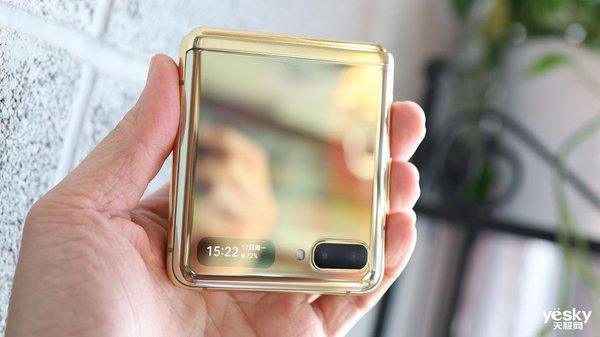 """三星Galaxy Z Flip唯一""""短板"""":1.1英寸副屏"""