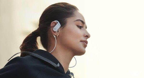 再续经典?苹果Powerbeats 4无线耳机曝光:1199元起!