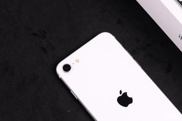 新iPhone SE上手体验:3000多元留不住我们之间初识的美好