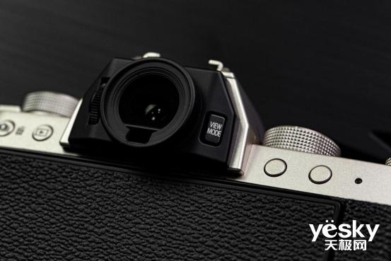 升级智能可视操控 富士X-T200无反相机评测