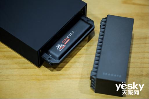 笔记本也能畅享电竞乐趣 希捷FireCuda游戏扩展坞来加持