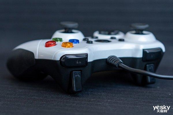 雷柏V600有线震动手柄评测:畅快游戏体验