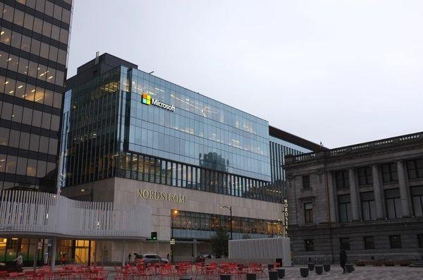 微软将永久关闭所有实体店,员工不遣散