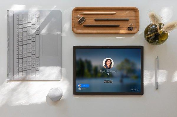 双屏版Surface Book? 专利显示微软双屏PC又一种设计方案