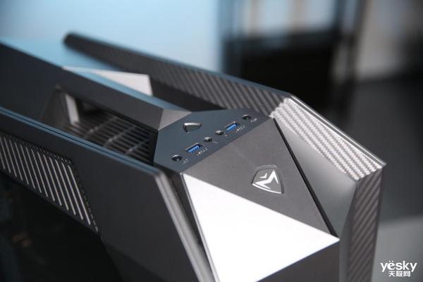 十代酷睿+RTX光追显卡 机械师未来战舰II代游戏主机评测