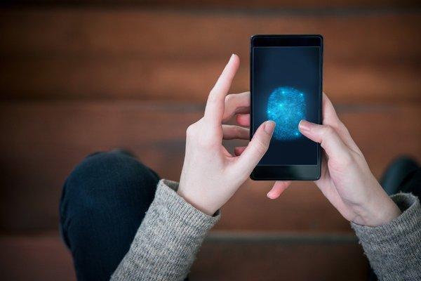 华为提交全屏指纹解锁专利技术:交互效率大提升