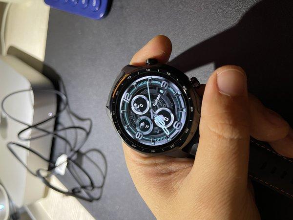不�v武德,�@�K超越的Apple Watch的手表
