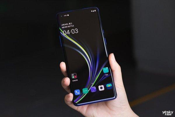 2020天极网年度旗舰手机横评(外观篇):智能手机外观设计的变革之路任重道远