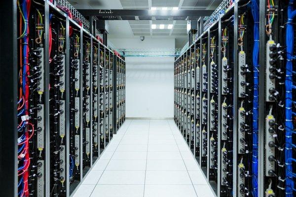 预测:2025年全球超大规模数据中心数量将增至890个