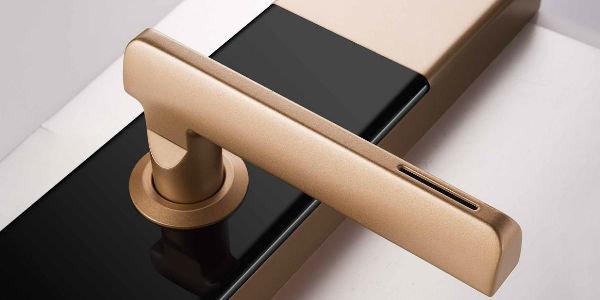 既想指纹开锁,又担心安全问题?购买智能门锁之前你需要了解这些