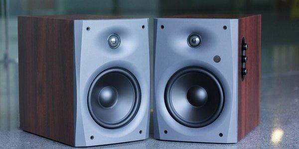 惠威D1090评测:桌面2.0音箱新基准