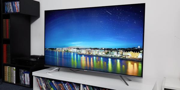AI声控开启人机面对面交互新时代 海信E5D电视评测
