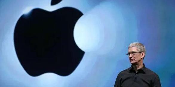 特朗普将和苹果CEO库克共进晚餐:猛夸苹果对美经济做出贡献