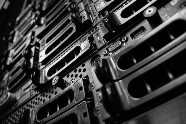 Synergy:公有云和服务器推动数据中心市场季度增长28%