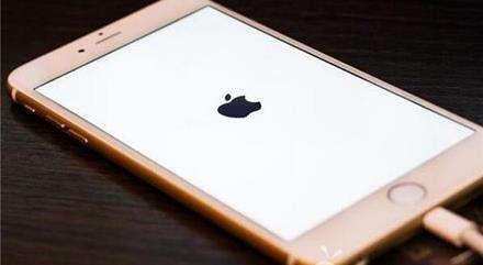 iOS 12今日开放升级 值不值得升?变板砖怎么办?