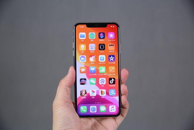 苹果四月份在华售出390万台iPhone 但是专家说未来用户可能会选华为