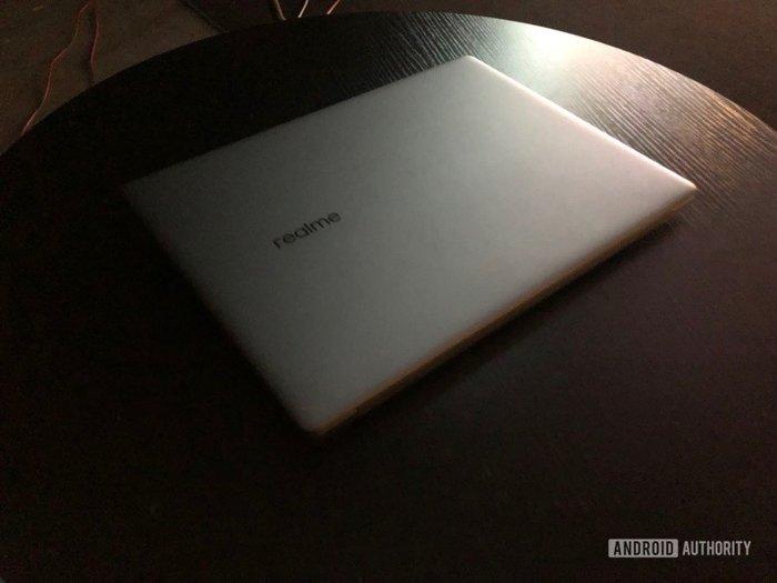 realme Book笔记本真机图曝光,或采用OLED屏幕