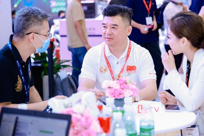 利亚德集团执行总裁袁波:我们主导Micro LED标准  已实现100%国产
