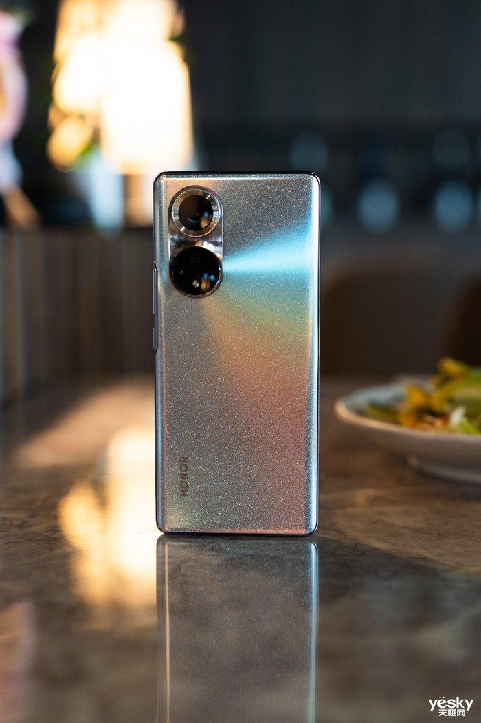 """""""囊中羞涩""""又想拥有一部紧跟时代发展的智能手机?这篇购机宝典请收好"""