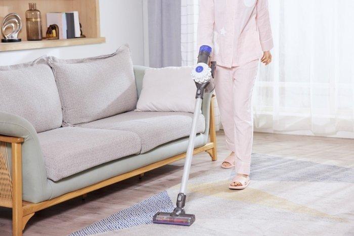 买扫地机还是无线吸尘器?一篇文章你的解决困扰
