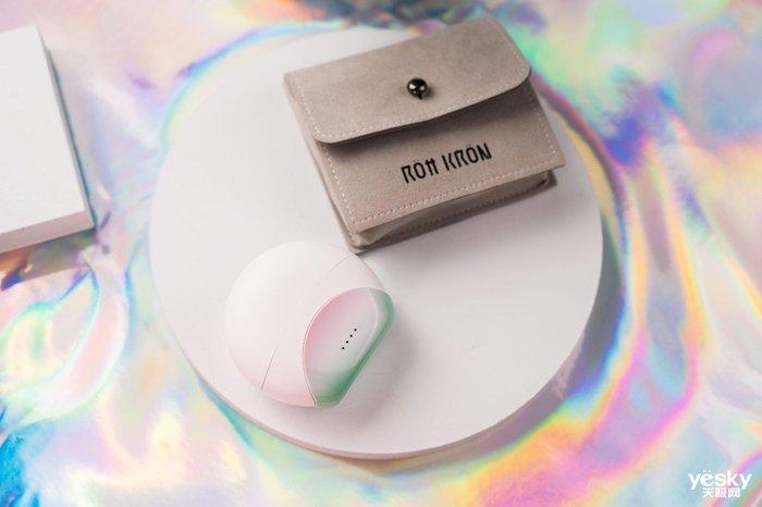 与香奈儿J12劳力士绿水鬼陶瓷材料同源的蓝牙耳机――ROtt KRON多晶锆宝耳机