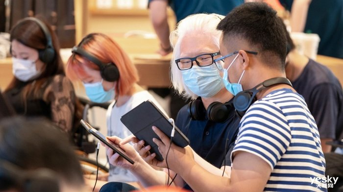 Today at Apple 创想营北京指导参与者们打造改变生活的项目